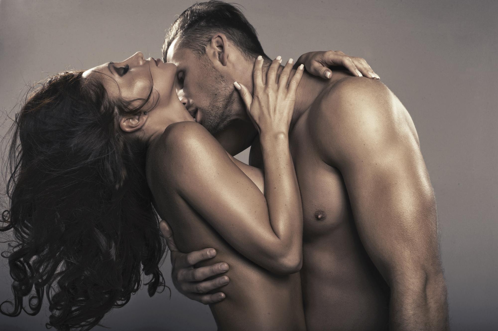 Картинки Мужчина И Женщина Занимаются Любовью